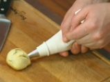 Топчета с пастет от сирене и чушки 4