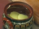 Гювечета с картофи и кисело зеле 2