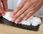 Основни техники за варене на ориз за суши и приготвяне на суши