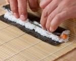 Основни техники за варене на ориз за суши и приготвяне на суши 6
