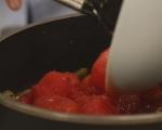 Печен сом със средиземноморски сос