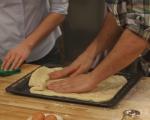 Плосък хляб с чесън и шарена сол 5