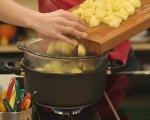 Свински хапки с гарнитура от картофи 5