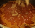 Боб чорба с наденица и макарони 7