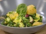 Картофена салата със спанак