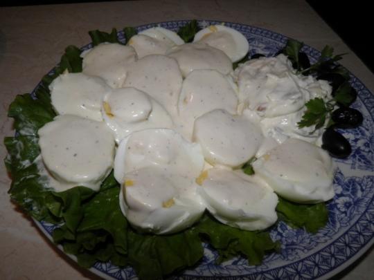 Яйца с дресинг