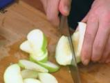 Ябълкова салата с орехи 2