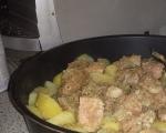 Картофи с месо 2