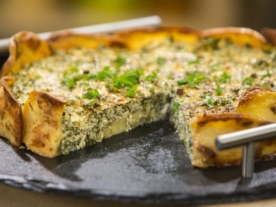 Картофена торта със спанак и сирене