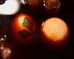 Шарени яйца в люспи от лук 4