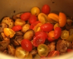 Пилешко с картофи и чери домати 5