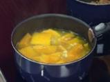 Супа от тиква със смокинови кенели