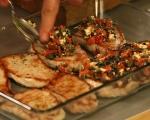 Свински пържоли със сирене и маслини 4
