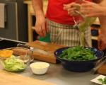 Зелена салата с моцарела и смокини 3