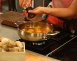 Пикантни картофи в доматен сос 5