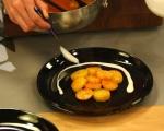 Пикантни картофи в доматен сос 7