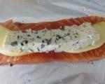 Сьомга със синьо сирене