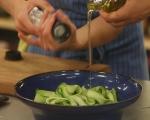 Салата от краставици с ароматни трохи 6