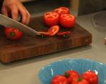 Пълнени домати с бекон и яйца