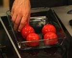Пълнени домати с бекон и яйца 3
