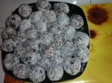 Бисквитени топчета
