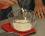 Медена торта с крем от бял шоколад
