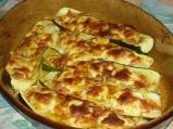Тиквички с яйце и сирене
