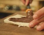 Рулца от пържени филийки с банан и шоколад 4