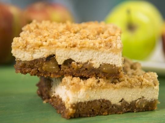 Сладкиш с ябълки и канела