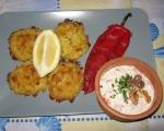Картофени кюфтенца на фурна с печен лук и сос от печени червени пиперки 16