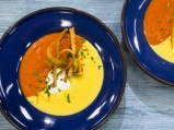 Супа от царевица и червени чушки