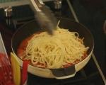 Спагети с песто от чушки 10