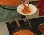 Спагети с песто от чушки 11