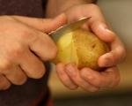 Картофена салата с карамелизиран лук 2