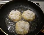 Картофени кюфтета с млечен сос 4