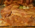Мариновани свински ребра с боб 8