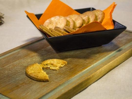 Крекери със сирене и кимион