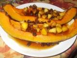 Печена тиква с карамел и ябълки