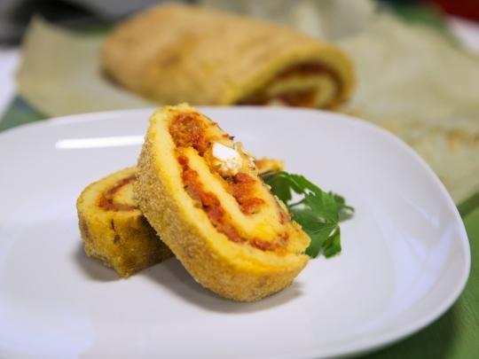 Картофено руло с печени чушки