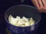 Картофи с лук