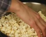 Карамелени пуканки с бекон 3