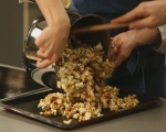 Карамелени пуканки с бекон 7