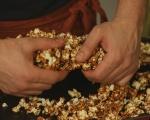 Карамелени пуканки с бекон 8