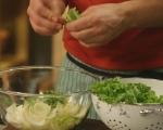 Зелена салата с круши и орехи 4