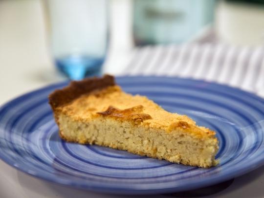 Бадемов тарт с кардамон