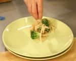 Салата от броколи със сусам 6