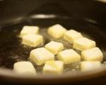 Пъстра салата с крутони от качамак 4