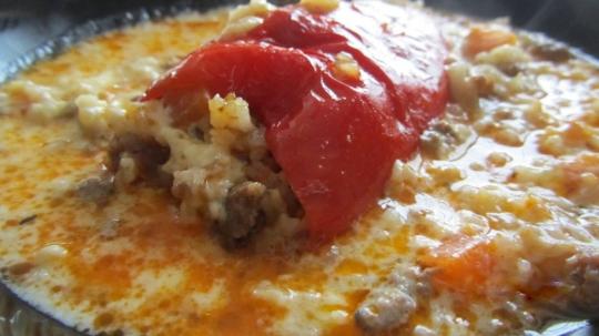 Пълнени чушки с кайма и ориз на фурна