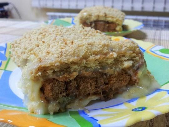 Торта с бисквити и готово руло