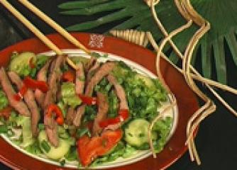 Телешка тайландска салата